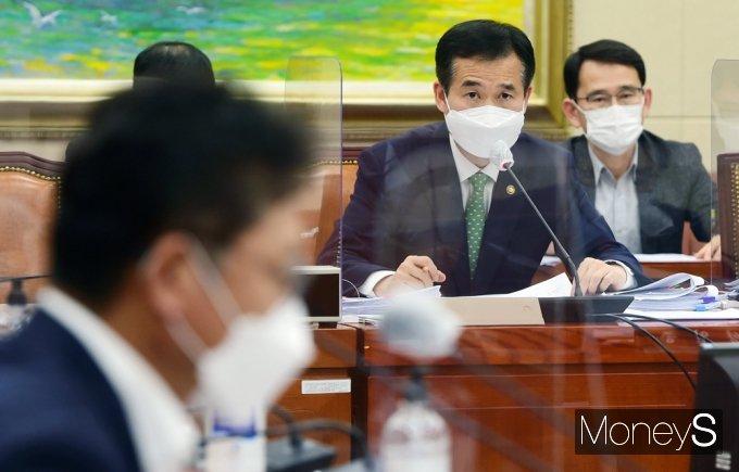 [머니S포토] 국민권익위 이건리, 국회 '이해충돌방지법' 설명