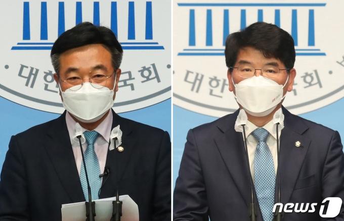 윤호중(왼쪽), 박완주 더불어민주당 의원이 12일 오전 서울 여의도 국회 소통관에서 원내대표 출마 선언 기자회견을 하고 있다. 원내대표 선거 출마가 예상됐던 안규백 의원이 돌연 불출마하면서 이번 선거는 윤 의원과 박 의원의 맞대결로 치러지게 됐다. 2021.4.12/뉴스1 © News1 신웅수 기자