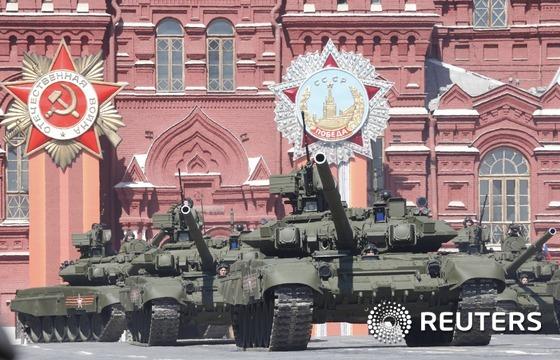 러시아가 시리아 서부 항구 도시 라타키아 소재 공군기지에 탱크 7대를 배치했다고 익명의 미국 관리들이 1 밝혔다.© 로이터=뉴스1
