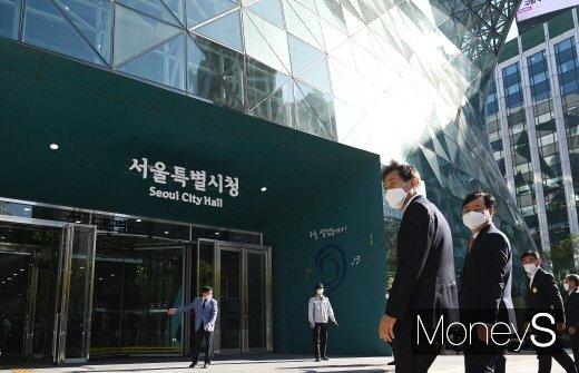 """""""오세훈 고맙다""""… 강남 재건축 아파트 호가 2억~3억원↑"""