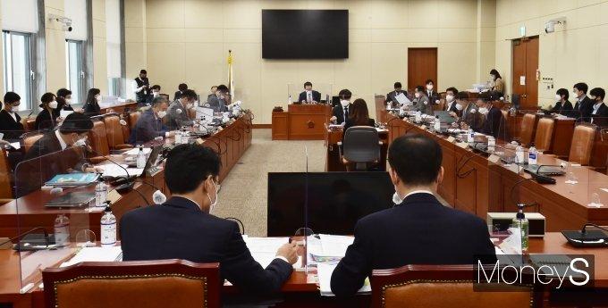 [머니S포토] '이해해충돌방지법' 이틀째, 오늘 국회 결론 나오나