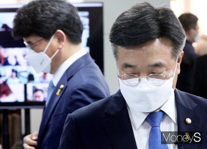 [머니S포토] 민주당 차기 원내대표에 윤호중·박완주 격돌