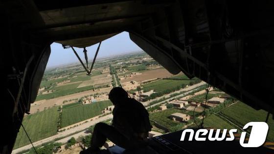 아프가니스탄에서 작전을 수행 중인 미군 헬기©AFP= 뉴스1