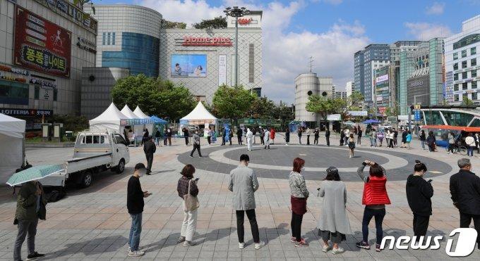 신규 확진 731명… 본격적인 4차 유행 양상 (종합)