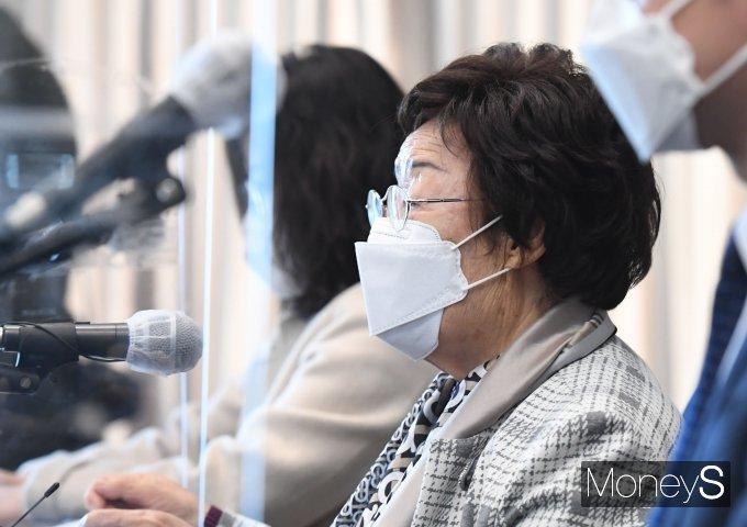 [머니S포토] 위안부 문제 ICJ 회부 촉구 발언하는 이용수 할머니