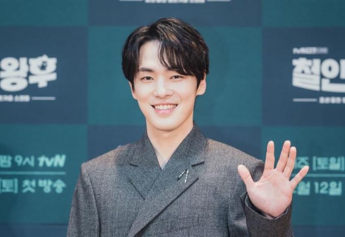 배우 김정현이 최근 불거진 논란에 대해 입을 열었다. 사진은 드라마 철인왕후 제작 발표회 당시 모습. /사진=tvN 제공