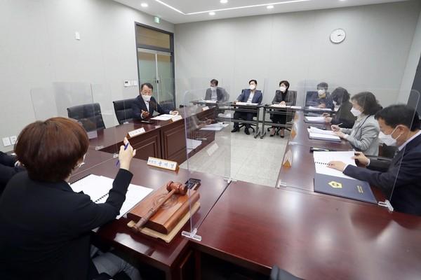 '의왕시의회 의원연구단체 운영 심사위원회' 개최. / 사진제공=의왕시의회