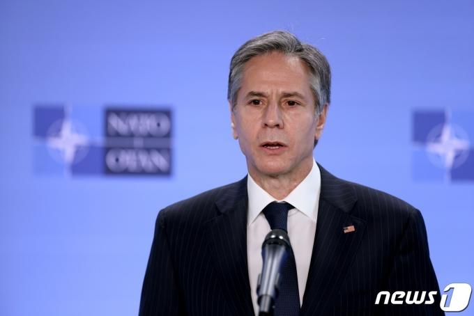 토니 블링컨 미국 국무장관이 14일 벨기에 브뤼셀 북대서양조약기구(NATO·나토) 본부에서 연설을 하고 있다. © 로이터=뉴스1