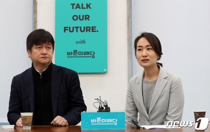 서울시 정무부시장에 내정된 김도식 비서실장(왼쪽). 2020.1.16/뉴스1 © News1 박세연 기자