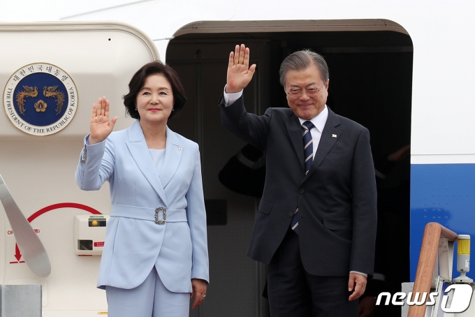 문재인 대통령과 김정숙 여사. /뉴스1 © News1 민경석 기자