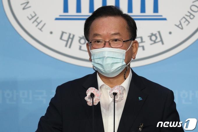 개각 임박… 총리 김부겸, 정무수석 이철희 거론