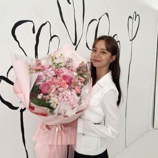 가수 혜리의 꽃미모가 눈길을 끈다. /사진=혜리 인스타그램