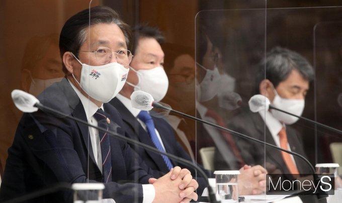"""[머니S포토] 성윤모 """"글로벌 신경제질서로 미래 생존문제 대두 어렵지만 가야할 길"""""""