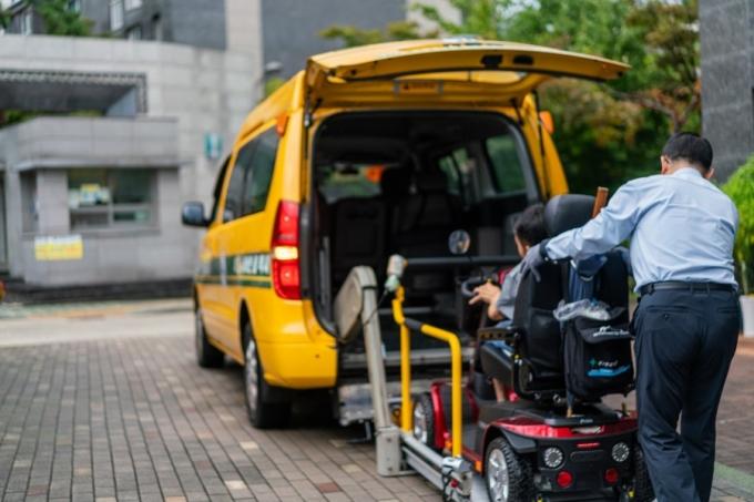 서울시설공단은 20일 장애인의 날을 맞아 장애인콜택시 무료 운행 서비스를 실시한다. / 사진제공=서울시