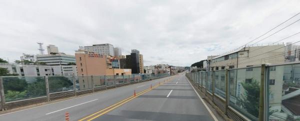 용인시 처인구는 긴급 보수를 위해 통제했던 김량장동 중부대로 용인고가도로 양지 방면 하행 2차선 도로를 19일 0시부터 전면 개방한다고 밝혔다. / 사진제공=용인시