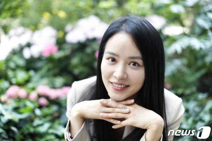 [사진] 안지혜, 봄꽃 미소
