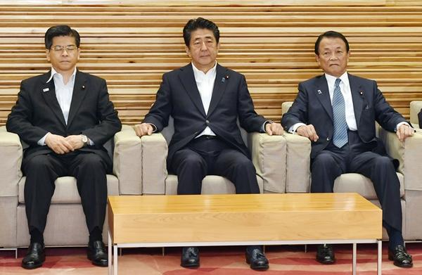 """중국 """"해양은 일본 쓰레기통 아냐"""" vs 일본 """"태평양은 중국 하수도"""""""