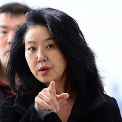 """김부선 """"여사님들 긴장하시라…음모와 의혹 난무할 것"""""""