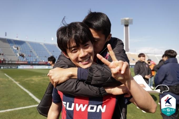 수원FC가 극적 승리로 탈꼴찌에 성공했다.(한국프로축구연맹 제공)© 뉴스1