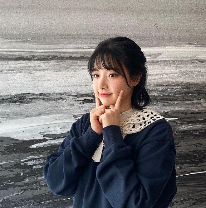 그룹 에이프릴 출신 이현주가 멤버들로부터 따돌림을 당했다는 의혹에 대해 직접 입을 열었다. /사진=이현주 인스타그램