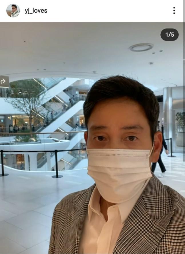 18일 오후 정용진 신세계그룹 부회장이 인스타그램에 '더현대 서울'을 방문했다고 인증 사진을 올렸다. /사진=정용진 신세계그룹 부회장 인스타그램