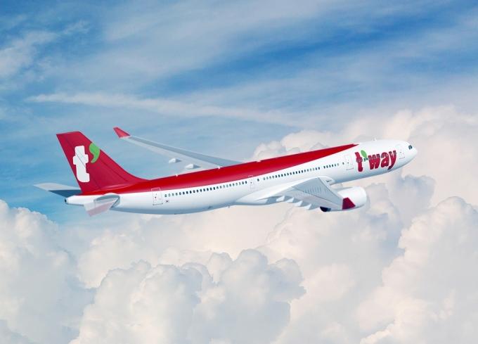 티웨이항공이 중대형 항공기인 A330-300 도입을 위한 임대차 계약을 완료했다./사진=티웨이항공