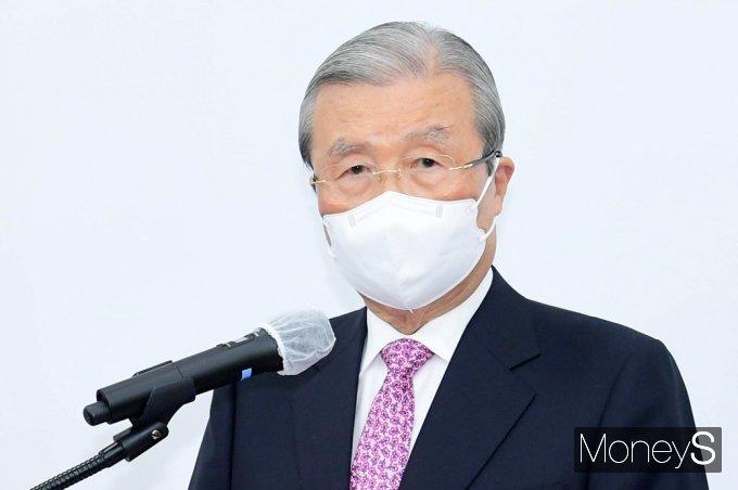 김종인 전 위원장(사진)이 국민의힘에 연신 비판의 목소리를 높이고 있다. /사진=임한별 기자