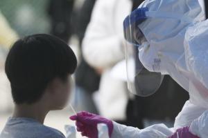 충북 옥천 중학교 코로나19 연쇄감염… 교사에 학생까지 추가 확진