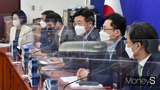 """[머니S포토] 민주당 윤호중 """"확인된 백신 수급 현황 국민께 투명하게 공개"""""""