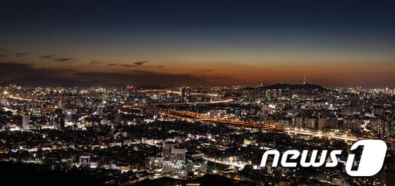 한국이 '미국인이 뽑은 살기좋은 나라' 조사에서 3위에 올랐다. 사진은 서울의 야경. /사진=뉴스1