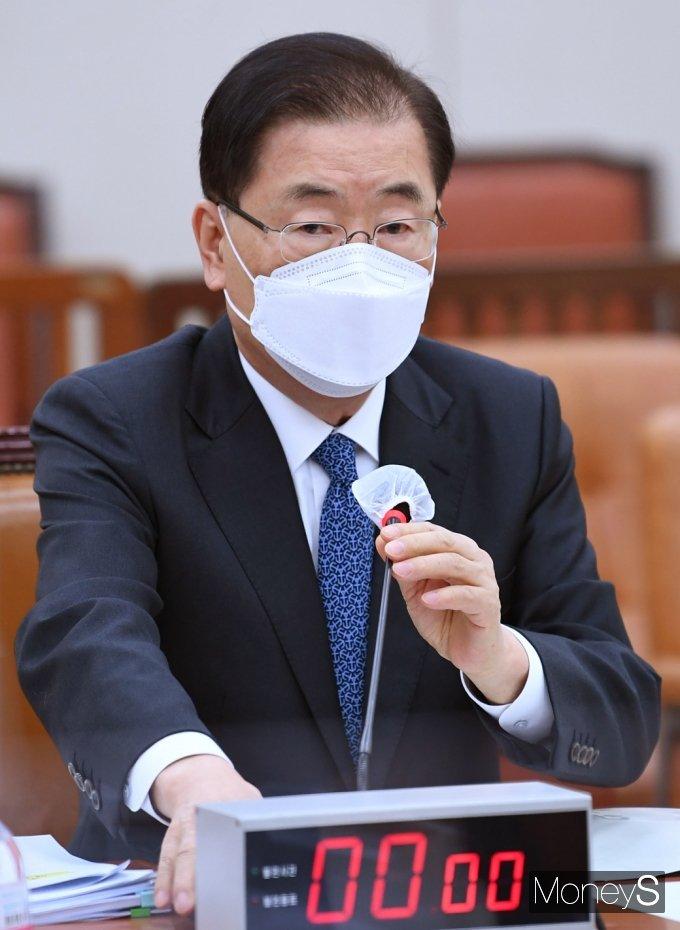 """정의용 장관 """"미국과 백신 스와프 진지하게 논의 중"""""""