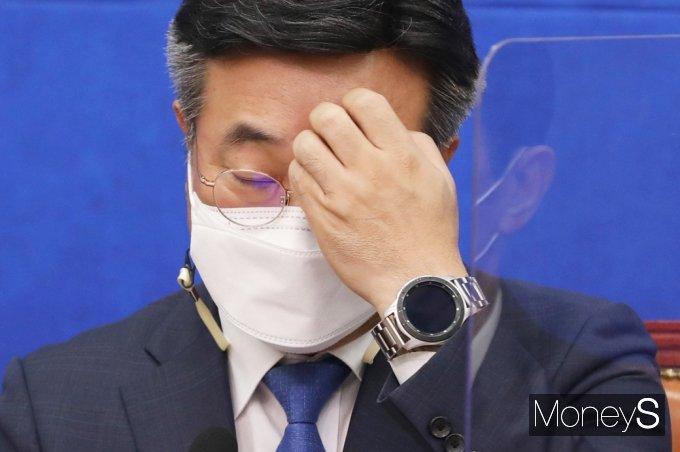 """[머니S포토] 윤호중 """"상반기 내 1200만명 백신접종 계획과 11월 집단면역 이뤄지도록 최선"""""""