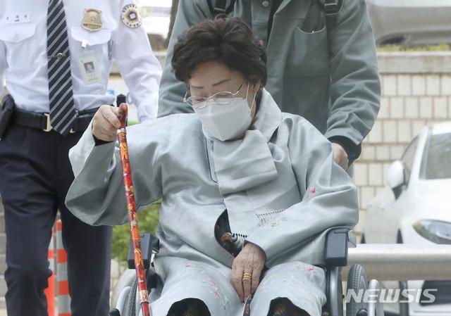 """위안부 피해자 2차 손배소 패소…법원 """"日 국가면제 인정"""""""