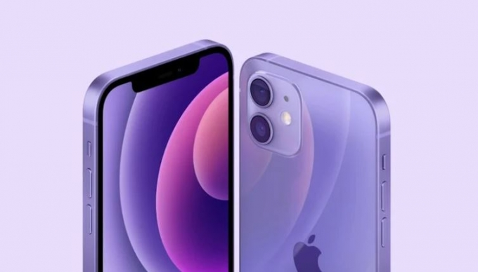 아이폰12와 아이폰12 미니 퍼플 색상이 깜짝 공개됐다. /사진제공=애플
