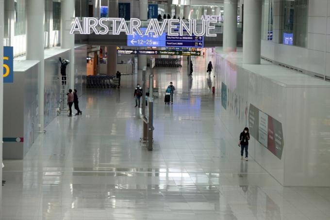 지난 3월 인천국제공항 출국장 면세구역이 신종 코로나바이러스 감염증(코로나19) 여파로 한산하다./사진=뉴스1