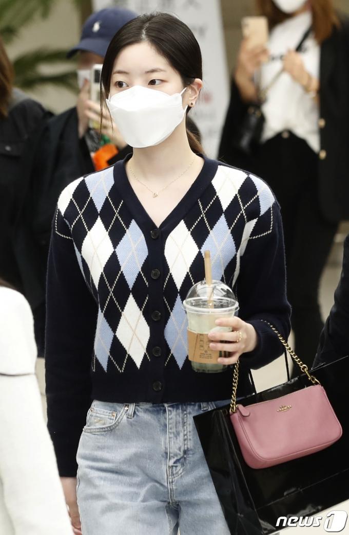 [사진] 트와이스 다현, 백옥처럼 곱고 하얀 피부