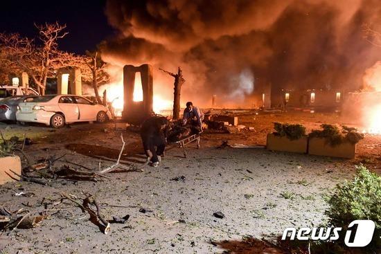 2021년 4월 21일 파키스탄 세레나 호텔 차량 폭탄 테러 현장. © AFP=뉴스1