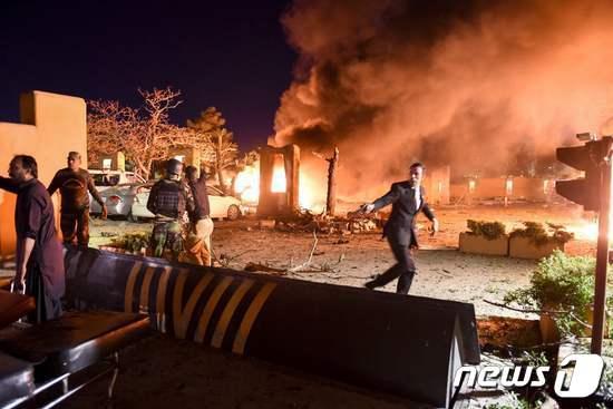 2021년 4월 21일 파키스탄 세레나 호텔 테러 현장. © AFP=뉴스1