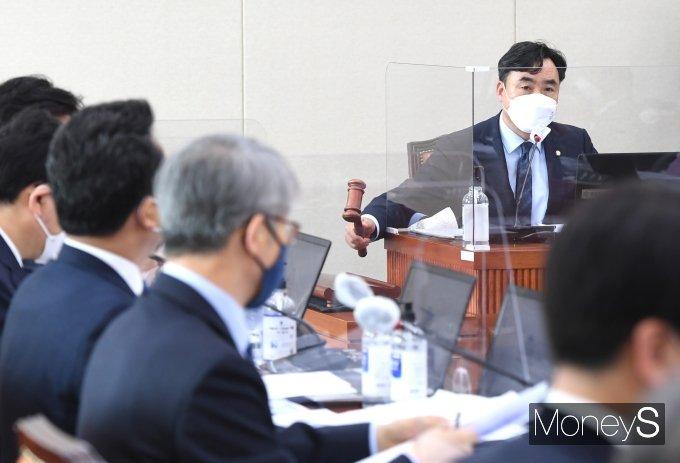 [머니S포토] '이해충돌방지법' 국회 정무위 통과…8년만에 처리