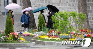 [내일 날씨] 전국 흐리고 아침엔 비… 더위도 한풀 꺾인다