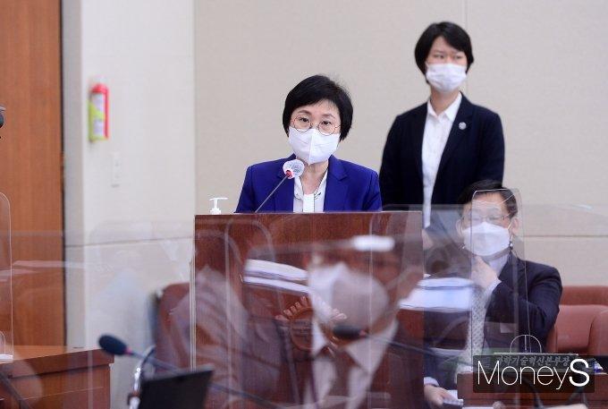 [머니S포토] 과방위 발언하는 김현 방통위 부위원장