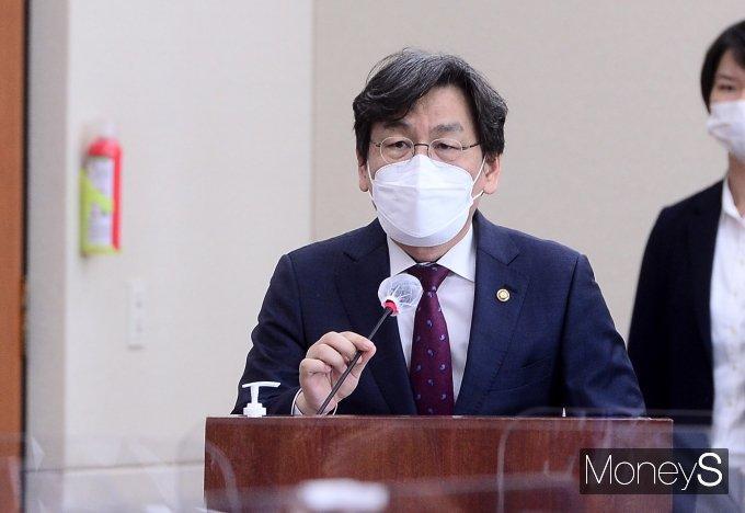 [머니S포토] 과방위 출석한 엄재식 원자력안전위원회 위원장