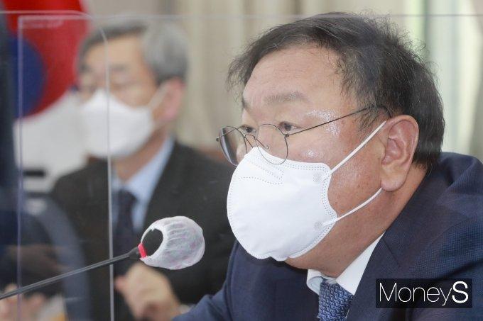 [머니S포토] 국회운영위원회 전체회의, 발언하는 김태년 위원장
