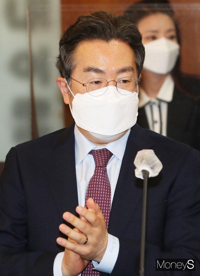 [머니S포토] 공정위 '오픈마켓 제품안전 협약식' 참석한 쿠팡 강한승 대표