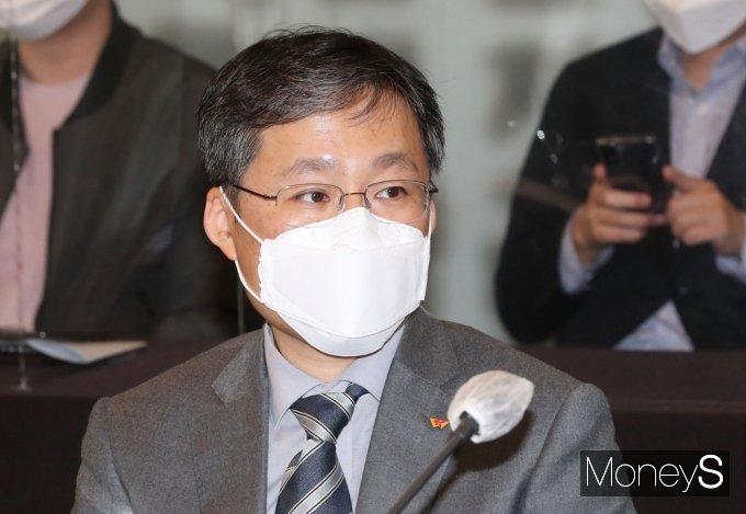 [머니S포토] 공정위 '오픈마켓 제품안전 협약식' 참석한 11번가 이상호 대표