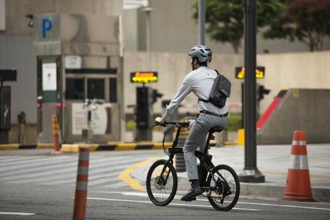 자전거로 출퇴근하는 자출족의 모습. 삼천리자전거 제공