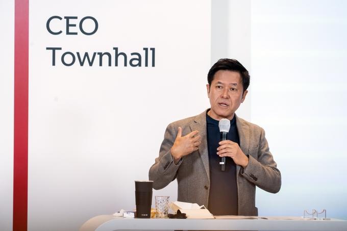 박정호 SKT CEO가 지난 14일 온라인 타운홀 행사에서 분할 취지와 회사 비전을 설명하는 모습. /사진제공=SKT