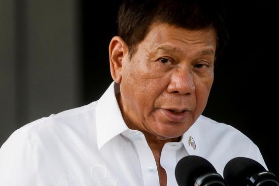 로드리고 두테르테(76) 필리핀 대통령의 딸 사라 두테르테(43) 다바오 시장이 대선 여론조사에서 1위를 차지했다. /사진=로이터