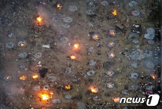인도 델리 화장터. © 로이터=뉴스1