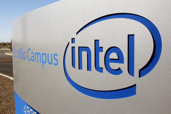 미국 애리조나주 챈들러에 위치한 인텔 반도체 공장. 지난달 인텔은 파운드리 사업(IFS) 재개를 발표하면서 이곳에 200억달러를 들여 공장 두 곳을 새로 짓는다는 계획을 내놨다. /사진=로이터